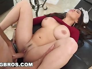 Fat butt mummy, Julianna Vega was getting her wild male's firm shaft, on the couch