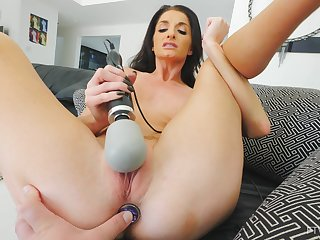 Brunette Silvia cums while masturbating with a butt plug up her ass