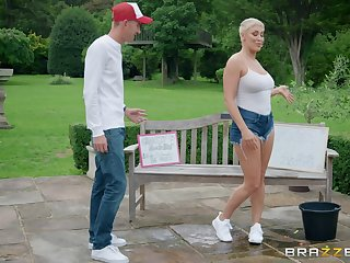 Short haired MILF bombshell Ryan Keely rides a big hard dick outdoors