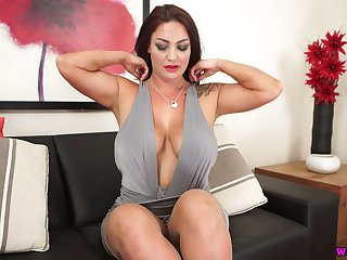 Torrid milf with splendid boobs and jaw dropping ass Roxy R is eager for your cock