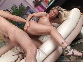 Naked milf slut in high heels bounces on a dick