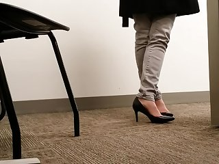 Candid MILF Black Office Heels No Real Shoeplay Toe Cleavage