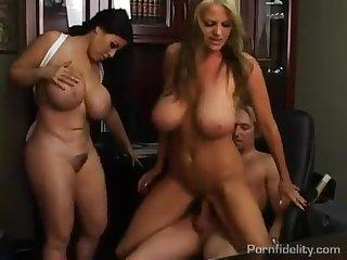Busty Slut Daphne Rosen Trio - FUCK MOVIE