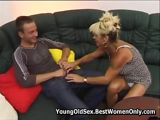 Hot Hairy Cougar Fucked And Squirting Young Dude