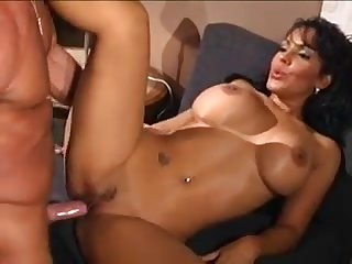 A darkhaired babe mother I´d like to fuck with magnificent mammaries goes dick-riding