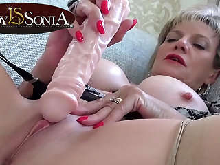 Sexually Attractive MILF Lady Sonia tickling her clit