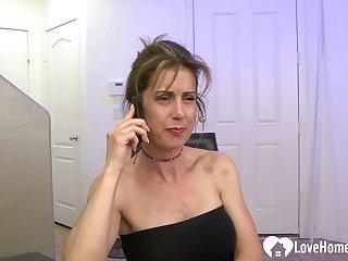Girlfriend calls her neighbor to fuck him