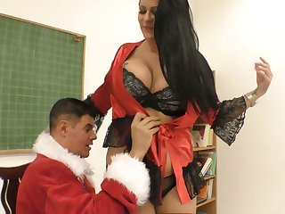 Bad guy in Santa Clause outfit fucks smoking hot chubby bitch Anissa Jolie
